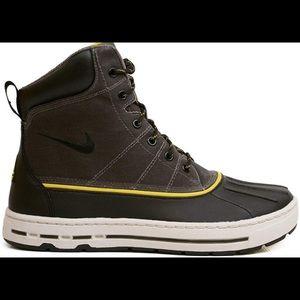 NWT Men's Nike ACG Woodside Boots